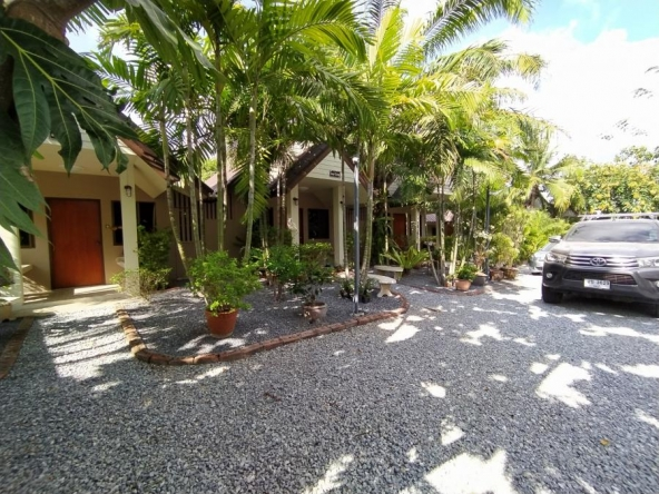 Land And Resort For Sale Baan Amphur, Town and Country Property Pattaya