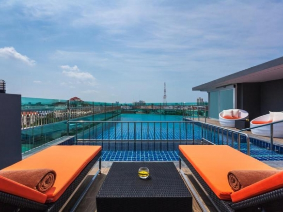 Popular City Hotel For Sale In Central Pattaya, Town and Country Property Pattaya