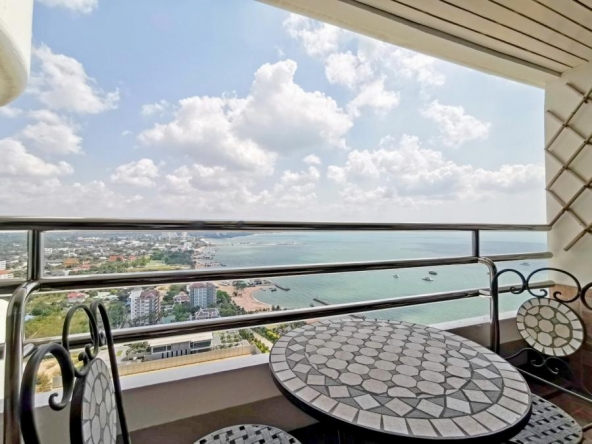 Luxury Sea View Condo For Sale In Ocean Marina Jomtien, Town and Country Property Pattaya