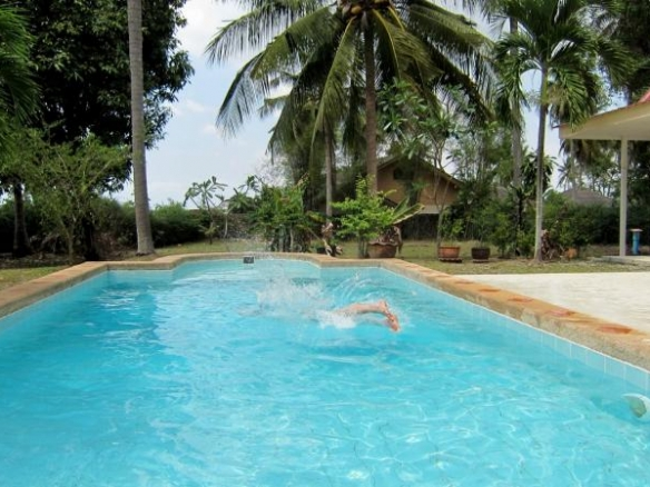 Land For Sale With Private Pool In Mabprachan, Town and Country Property Pattaya