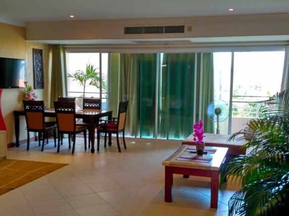 1 Bedroom Apartment For Sale in Executive Residence 2 , Pratumnak