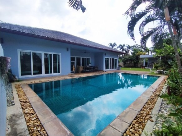 3+1 Bedroom House for Sale with private pool at Huay Yai , Pattaya