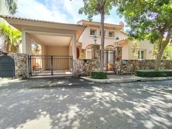 House for SALE at Silk Road Place