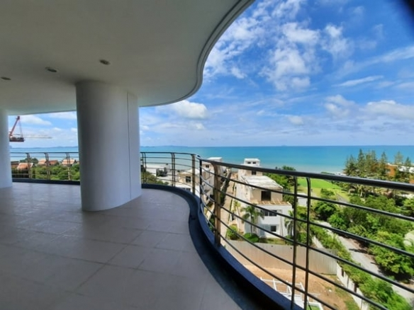 Luxury Sea View Condo for Sale at The Residence at Dream, Jomtien
