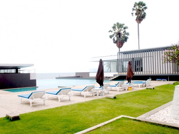 Beach front condo for sale, Town Country Property Pattaya