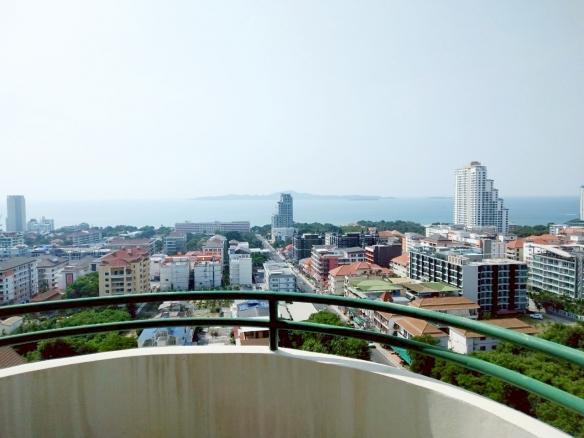 sea view condo for sale on Pratumnak