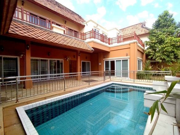 Private Pool Villa For Rent Near Regent School Pattaya, Town and Country Property Pattaya