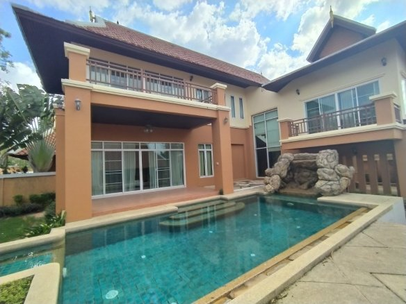 Pool Villa For Rent at Grand Regent School Pattaya, Town and Country Property Pattaya