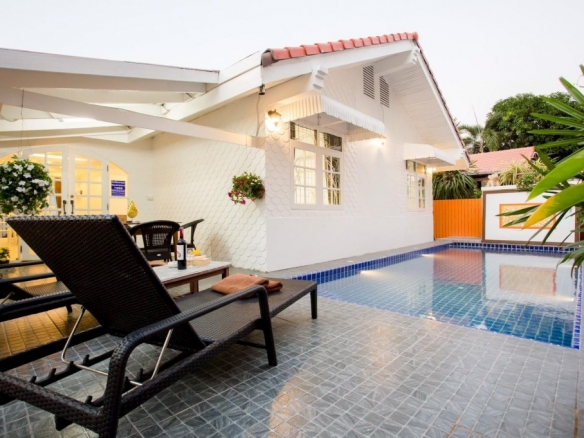 5 Bedroom House For Rent in Jomtien, Town Country Property Pattaya