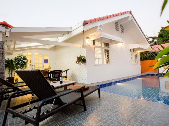 5 Bedroom House For Rent in Jomtien, Town and Country Property Pattaya