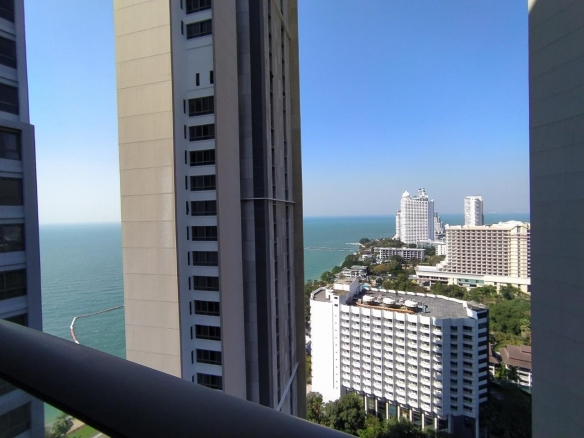 Sea View studio for rent in Zire Wong Amat, Town and Country Property Pattaya