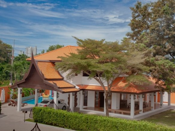 Pool Villa with 7 Bedroom House For Sale or Rent at Pattaya Park Hill 2, Town Country Property Pattaya