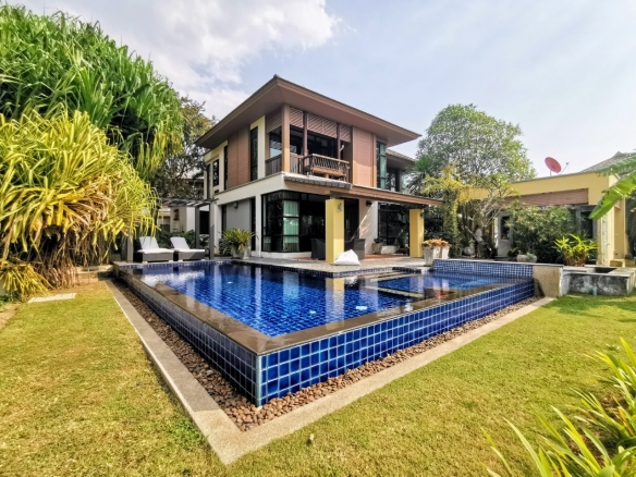 Beautiful 4 bedroom house for rent in Horseshoe Point, Town Country Property Pattaya