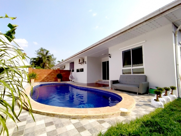 Pool Villas For Rent in Mabprachan Lake, Town and Country Property Pattaya