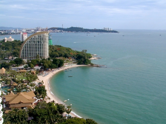 Luxury beachfront condo for RENT in North Point, Town and Country Property Pattaya