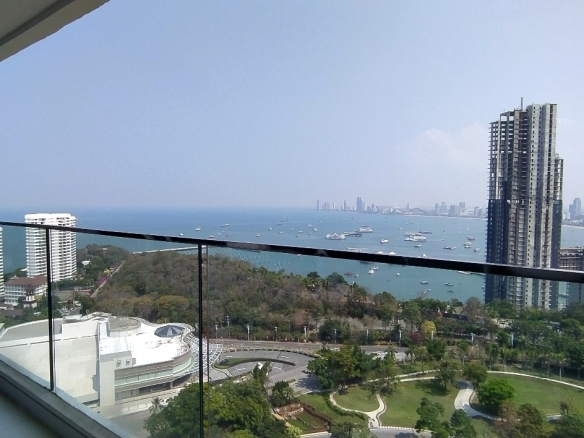 Luxury 2 Bedrooms condo for rent Pratumnak, Town and Country Property Pattaya
