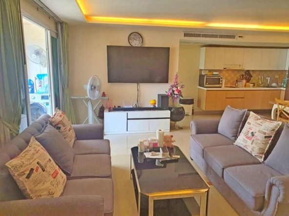 Hot Deal : 2 Bedroom Condo For Sale at City Garden, Town and Country Property Pattaya
