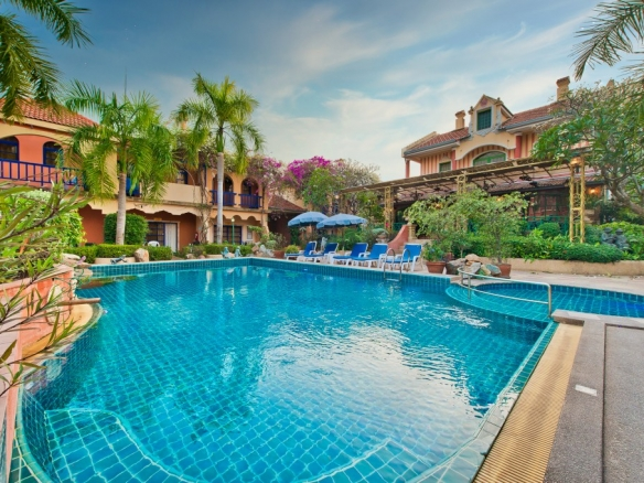 Unique Mediterranean Tuscany-style Resort For Sale Near Mabprachan Lake, Town Country Property Pattaya