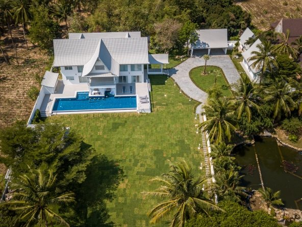 Newly renovated 9 Bedroom House for Sale in Pong, Town Country Property Pattaya