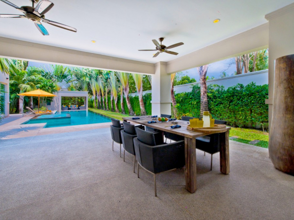 Beautiful 3 Bedroom Villa with Pool For Sale Near Mabprachan Lake, Town and Country Property Pattaya