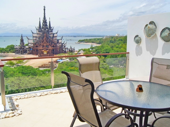 2 Bedroom Sea View Condo For Rent at The Sanctuary Wongamat, Town and Country Property Pattaya