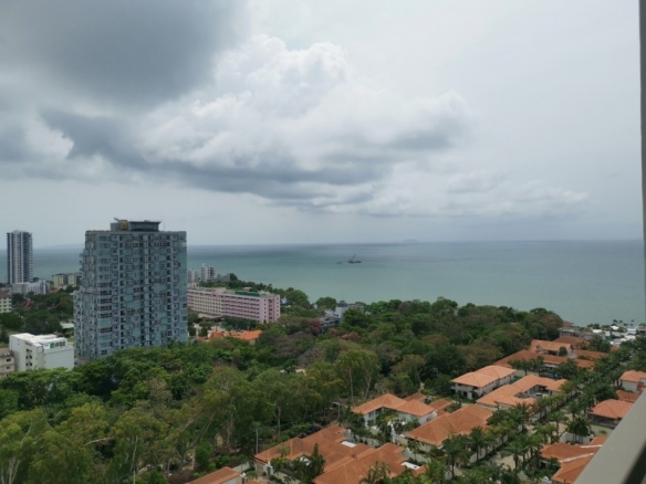 Sea View Condo For Rent at The Peak Tower, Town and Country Property Pattaya
