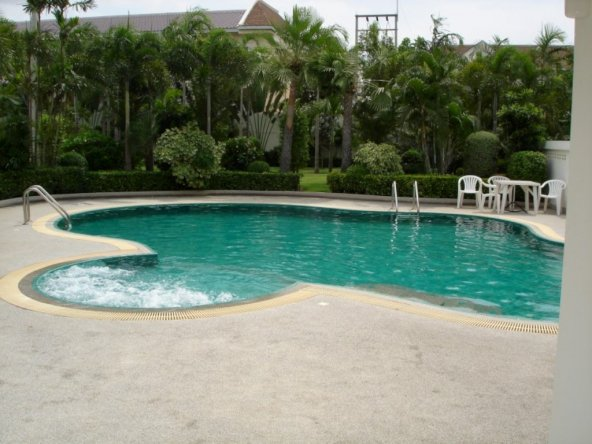 Beautiful townhouse for sale in East Pattaya, Town and Country Property Pattaya