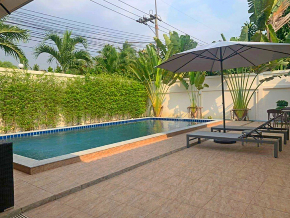 Pool Vills For Sale Near Mabprachan Lake, Town Country Property Pattaya